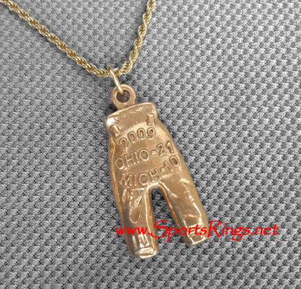 "2009 Ohio State Buckeyes Football ""GOLD PANTS"" Starting Player's Award Charm!"